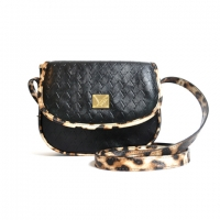 Yoda mini flap cross (leopard) - black