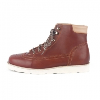 trekking boots/brown
